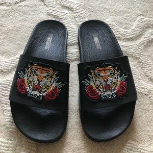 Shoes - Tiger Slide Sandal